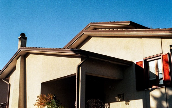What Size Gutters and Downspouts Do You Need